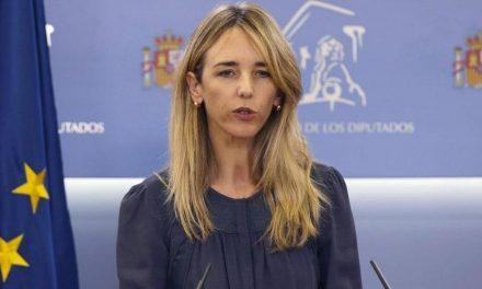 """Álvarez de Toledo tilda de """"desdichadas"""" las razones para destituirla y lo califica """"perjudicial"""" para el Partido Popular"""