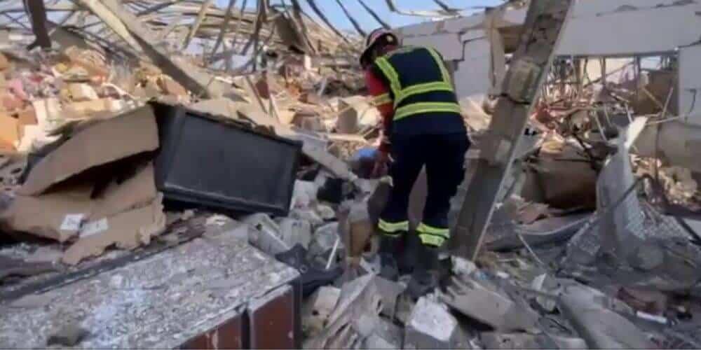 Explosión de Beirut desploma al Gobierno libanés tras la búsqueda de sobrevivientes