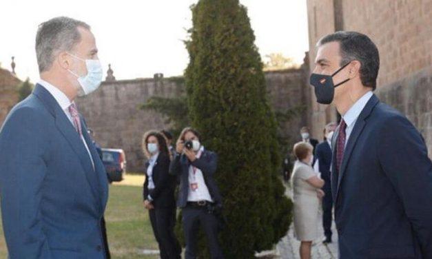 Primer encuentro oficial entre Pedro Sánchez y el rey en Marivent de Mallorca