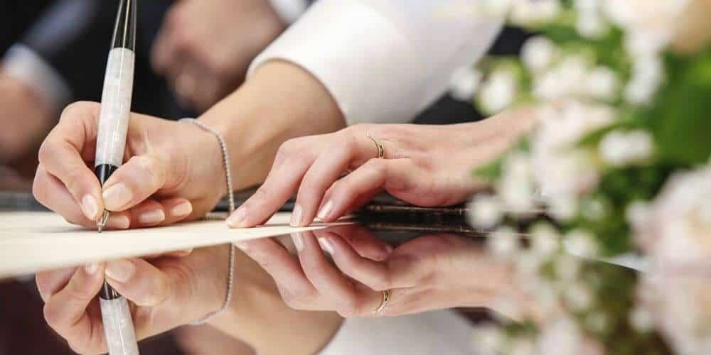 guia-de-requisitos-y-pasos-a-seguir-para-un-matrimonio-entre-un-español-y-un-extranjero-firma-boda-civil-español-extranjero-aliadoinformativo.com