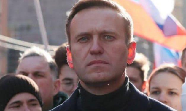 Navalny va recuperando su salud poco a poco mientras que en Rusia aumenta la tensión