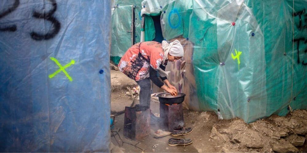 un-fuerte-incendio-acaba-con-el-campo-de-refugiados –de-moria-en-la-isla-griega-de-lesbos-tiendas-de-campaña-campamento-aliadoinformativo.com