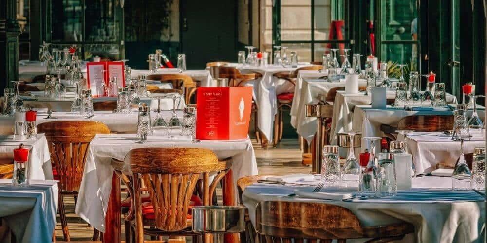 En Cataluña estudian la posibilidad de cerrar bares y restaurantes hasta fin de mes para evitar contagios