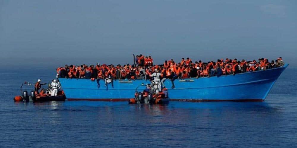 Naufragio de una patera deja al menos 74 muertos frente a Libia