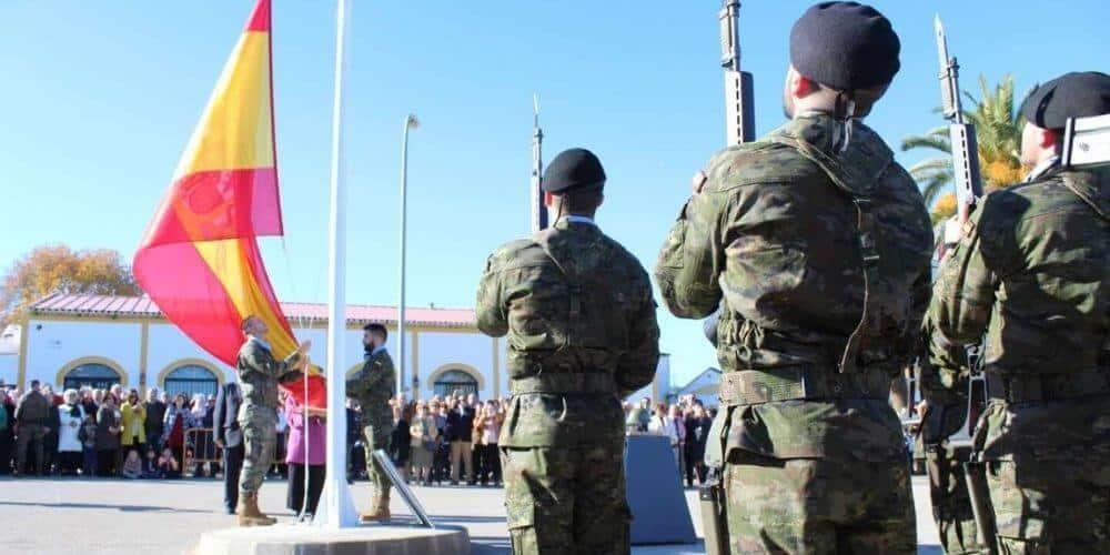 que-se-necesita-para-ser-militar-del-ejercito-en-españa-soldados-bandera-española-aliadoinformativo.com