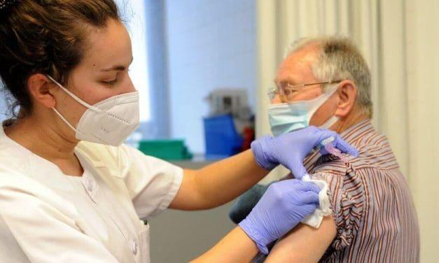 Remesa de vacunas para personas mayores y sanitarios en castilla y León