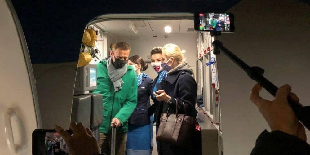 arrestan-a-navalny-en-moscu-tras-haber-regresado-de-alemania-luego-de-su-recuperacion-avion-alexei-esposa-detencion-aliadoinformativo.com