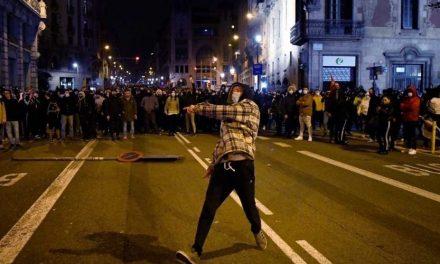 Nuevas protestas por apoyo a Pablo Hasel en Barcelona deja varios heridos